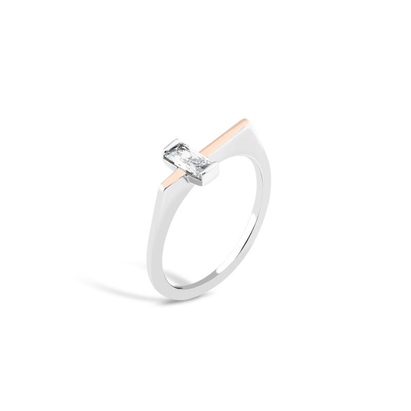 Кольцо с белым фианитом 834