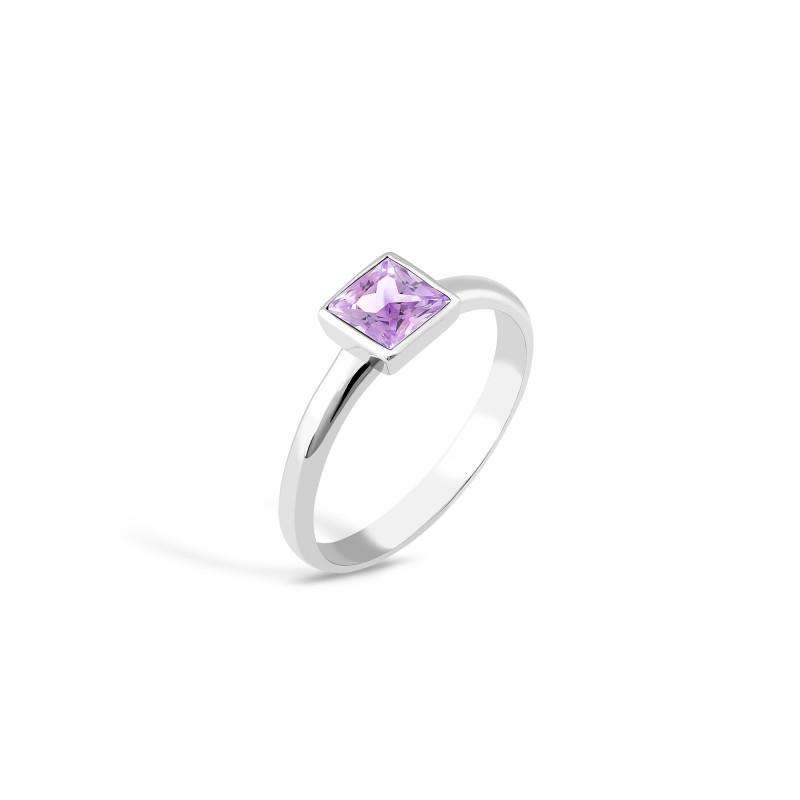 Кольцо с фиолетовым фианитом 833-4
