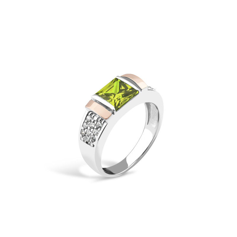 Кольцо с зеленым фианитом 050